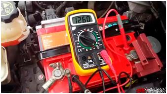 Проверка напряжения генератора автомобиля мультиметром